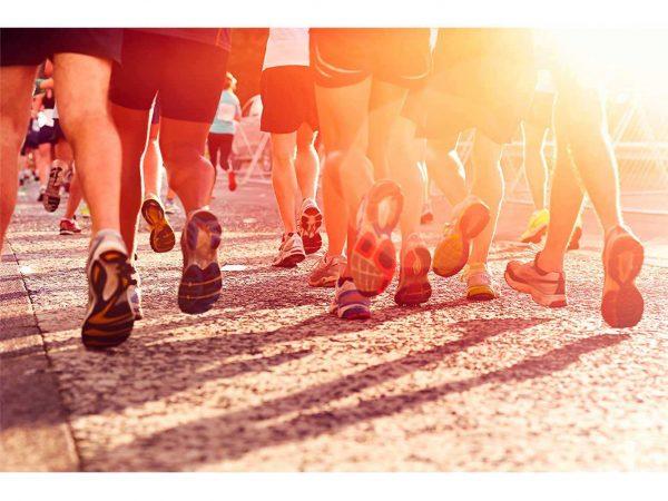 Fotomural Vinilo Running Maratón en la Ciudad | Carteles XXL - Impresión carteleria publicitaria