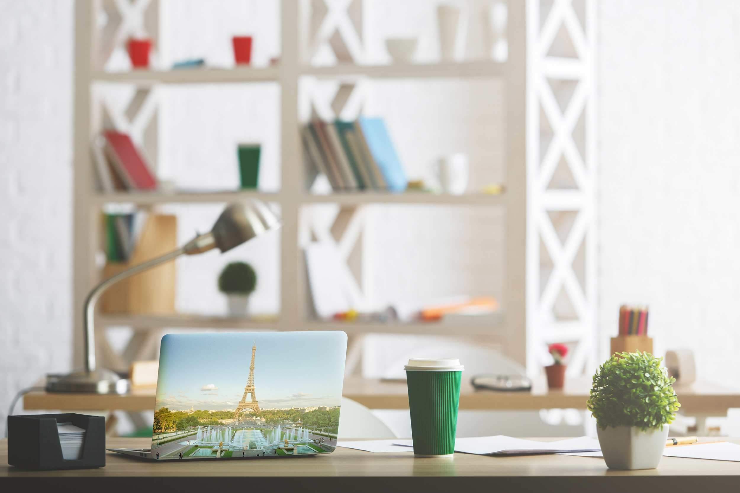 Vinilo Adhesivo para PC Portátil Torre Eiffel | Carteles XXL - Impresión carteleria publicitaria
