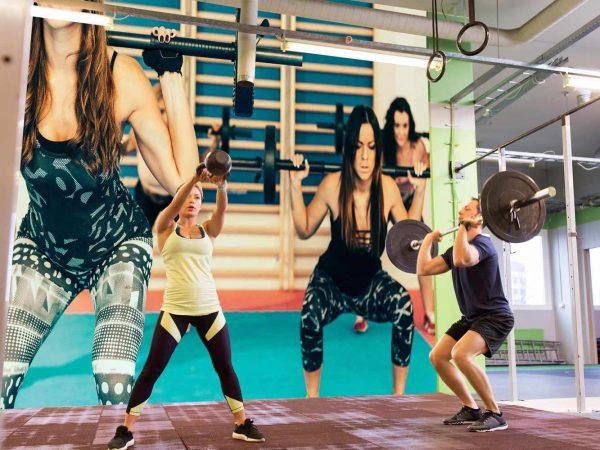 Fotomural Gimnasio Chicas Body Pump Sentadillas | Carteles XXL - Impresión carteleria publicitaria