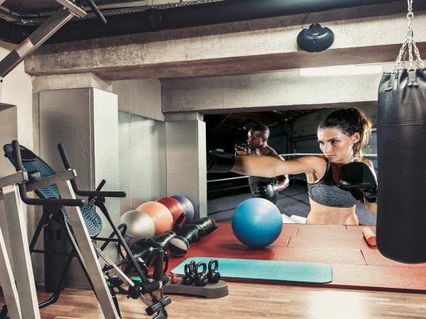 Fotomural Gimnasio Clase Cardio Punch Boxeo | Carteles XXL - Impresión carteleria publicitaria