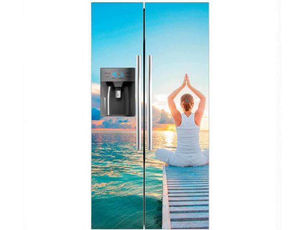 Vinilo Frigorífico Mujer Meditando | Carteles XXL - Impresión carteleria publicitaria