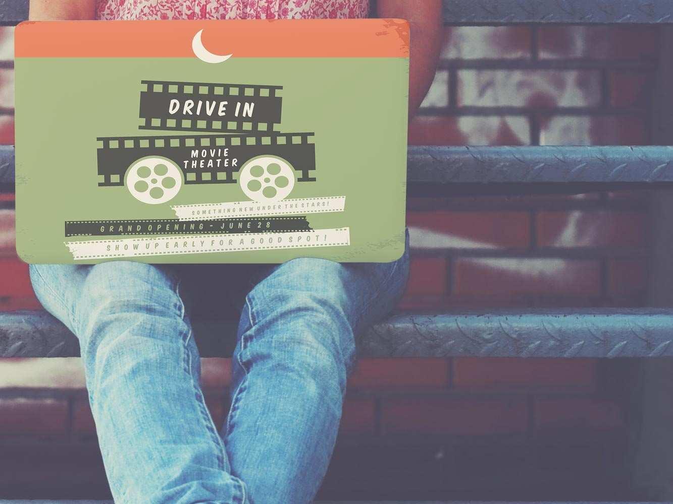 Vinilo Adhesivo PC Portátil Drive In Movie | Carteles XXL - Impresión carteleria publicitaria