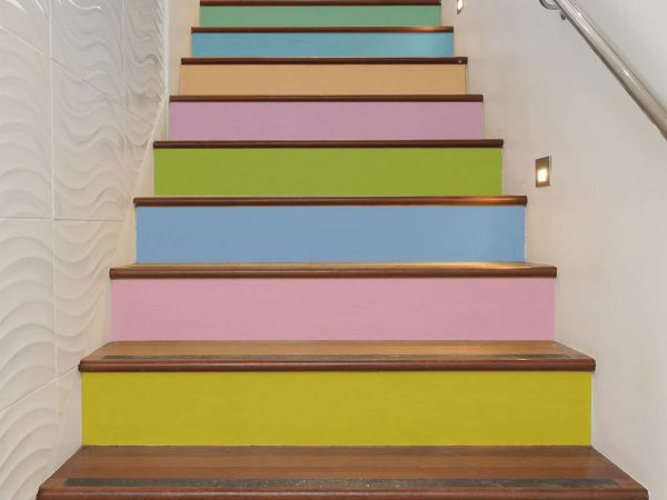 Vinilo Decorativo Escaleras de Colores | Carteles XXL - Impresión carteleria publicitaria