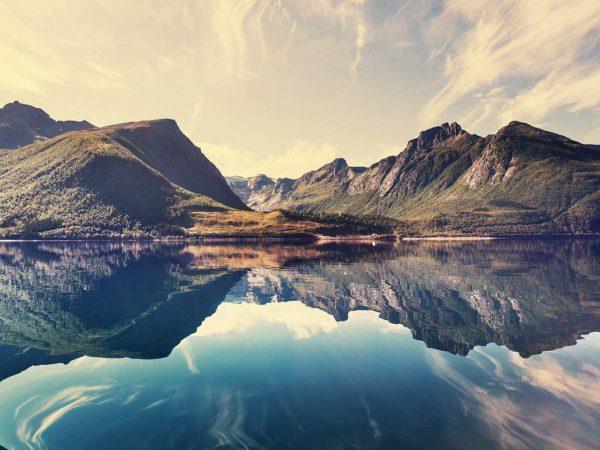 Vinilo Frigorífico Montañas Noruega | Carteles XXL - Impresión carteleria publicitaria